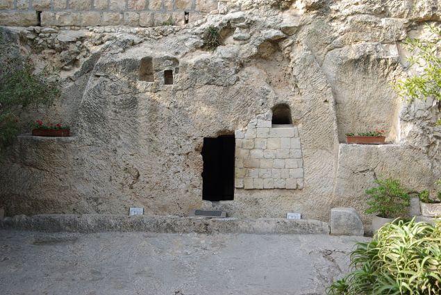 1280px-Jerusalem_Garden_Tomb_BW_1