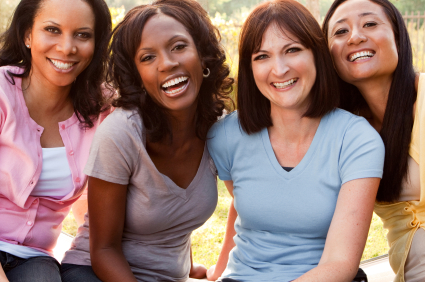 4Multicultural_Young_Women_Friends