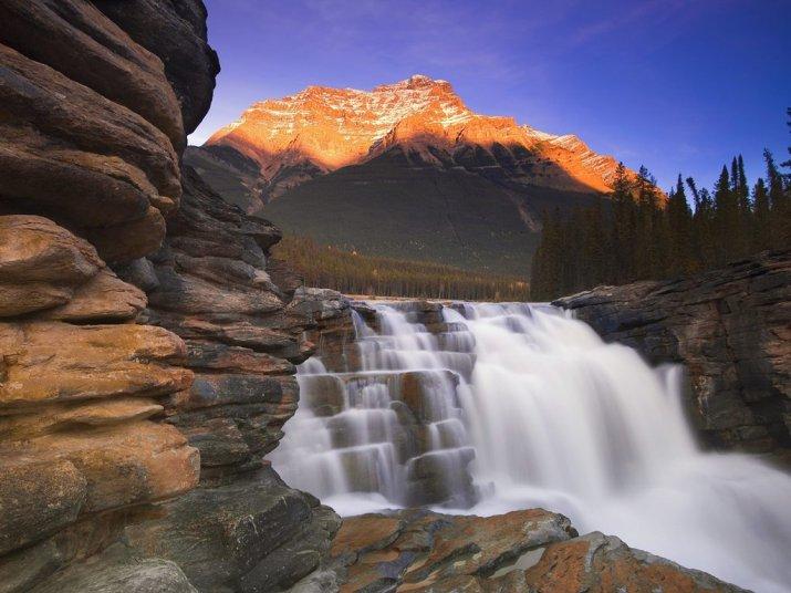 athabasca-falls-jasper-national-park-alb