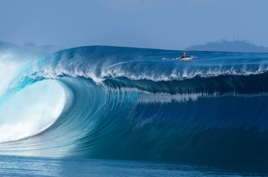 sean-woolnough-surfing-fiji