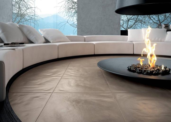 2-Circular-conversation-pit-central-fireplace.jpg