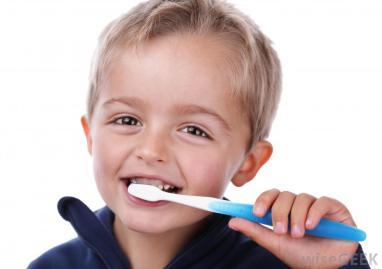 boy-child-brushing-teeth