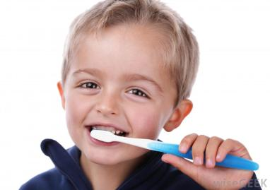 boy-child-brushing-teeth