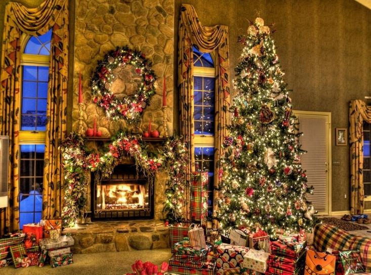 Christmas-Tree-and-Fireplace-7