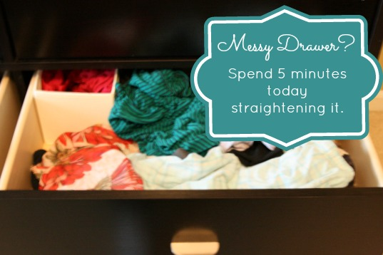 messy-drawer