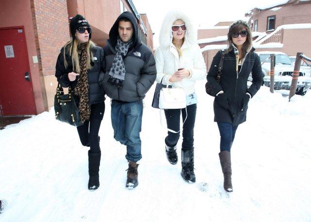 Paris+Brittany+Nicky+David+Shopping+Aspen+D53yjb25zlUx