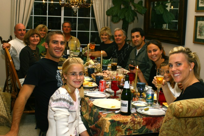 thanksgiving-dinner-party-by-hometown-invasion-tour5