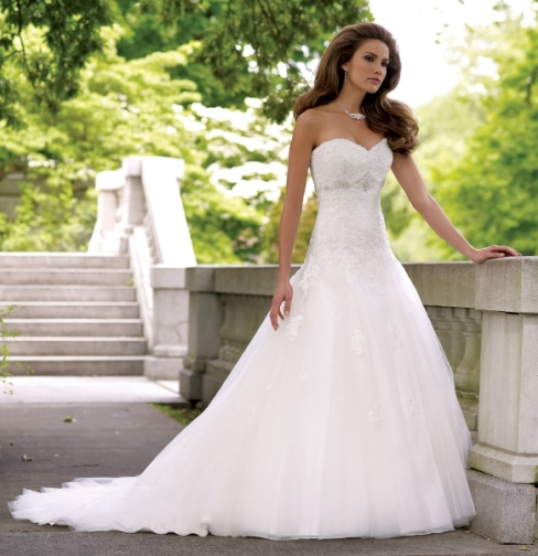 Summer-Weddings-2013_Stylish-Wedding-Bridal-Gowns-by-David-Tuttera-113231-