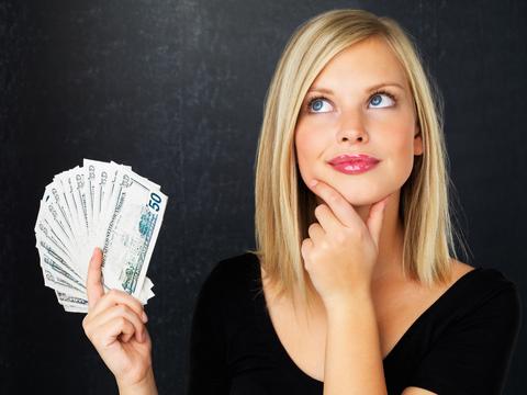 women-money-thinking