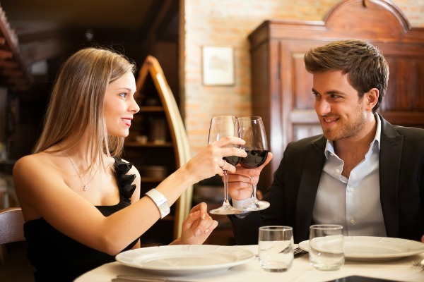 WOW-Your-Date-with-This-Valentine's-Day-Restaurant-Dining-Guide-restaurantmealprices