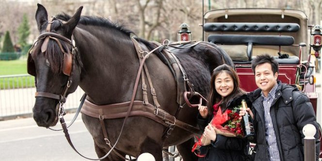 carriage-asian-couple-750-2x1