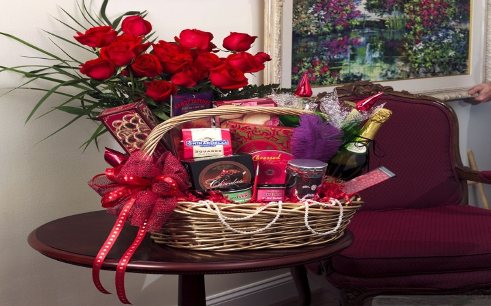 love-basket-valentines-day-gifts-wallpapers-1440x900