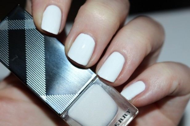 burberry-spring-summer-2016-nails-optic-white-swatch-639x426