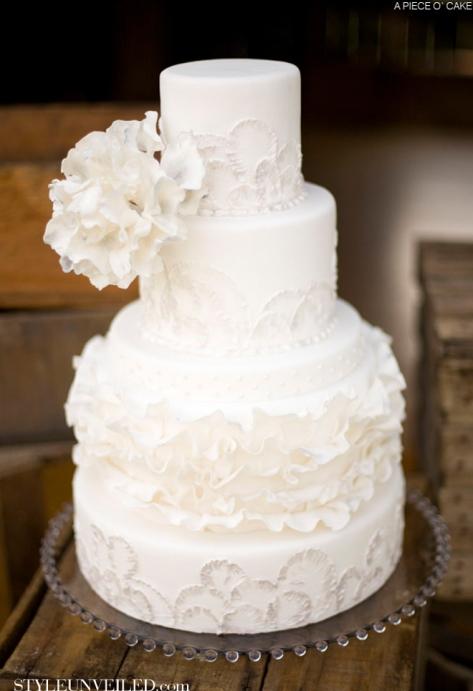 white-wedding-cake-13