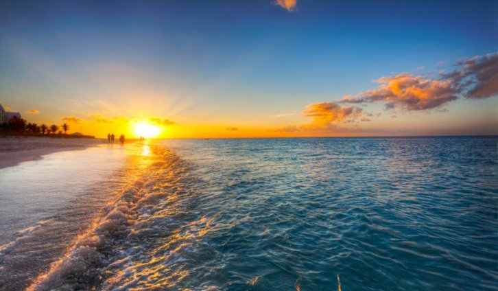 820x480xGrace-Bay-Beach-Turks-Caicos-820x480.jpg.pagespeed.ic.v30CmHT32-