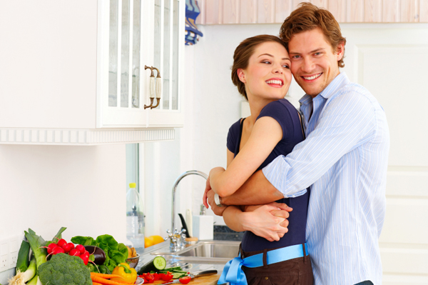 couple-cooking-kitchen