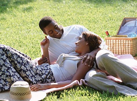 https://smartchristianwoman.files.wordpress.com/2016/06/couple-on-picnic.jpg