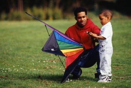 father_son_kite-photodisc
