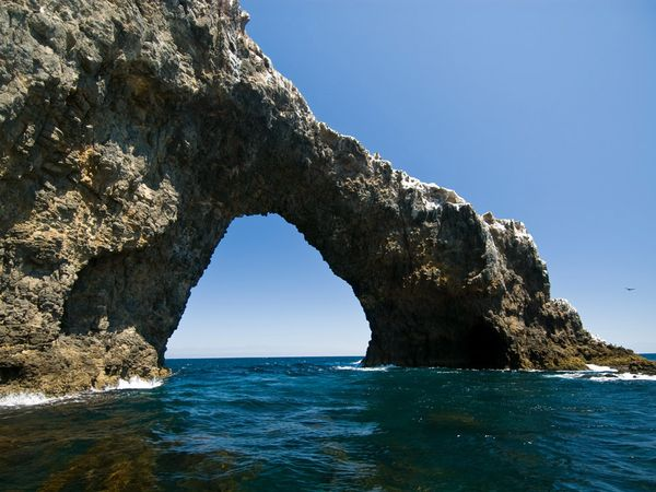 natural-arch-water_2122_600x450