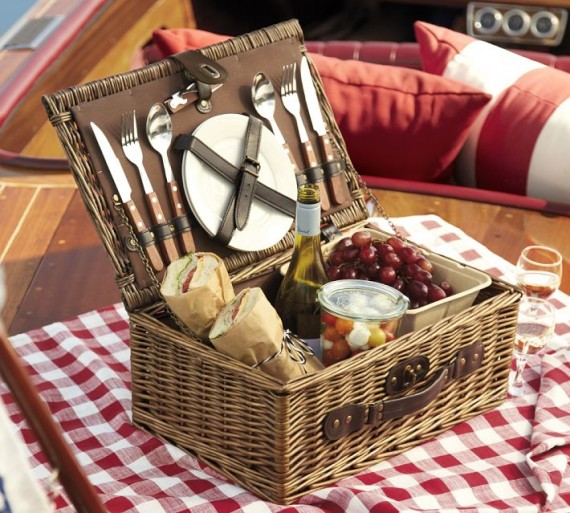 Picnic-basket-for-2-e1404354607662