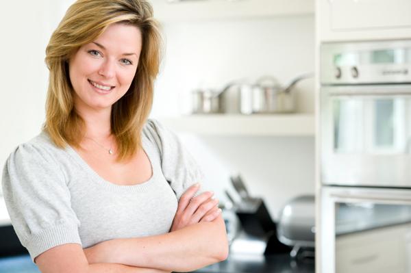 woman-organized-kitchen