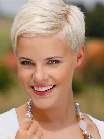 Platinum-Blonde-Layered-Pixie-Cut