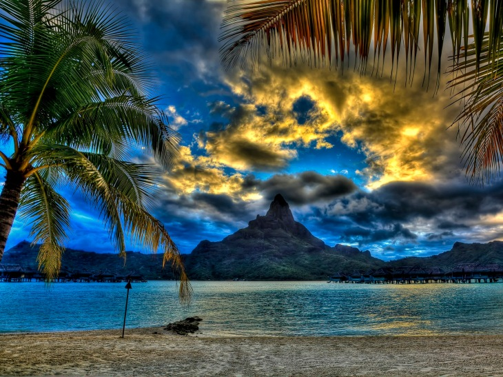 Sunset-at-bora-bora-beach-HDR-wallpaper_6126