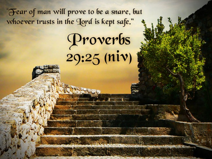 free-christian-wallpapers-proverbs-29-25