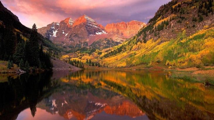 mountains-lake-and-autumn