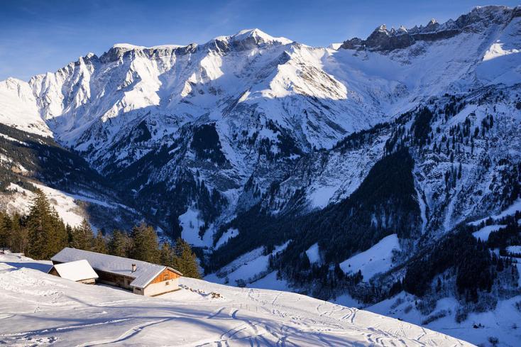 switzerland-mountain-landscape-in-winter-matthias-hauser