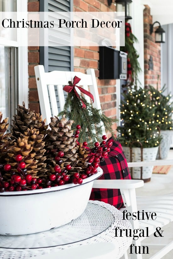 christmas-porch-decor-natural-elements