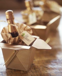 gold-wine-bottle-in-gold-box-for-2015-new-years-table-centerpiece-table-decor-paper-bags-bottle-ta-f02761
