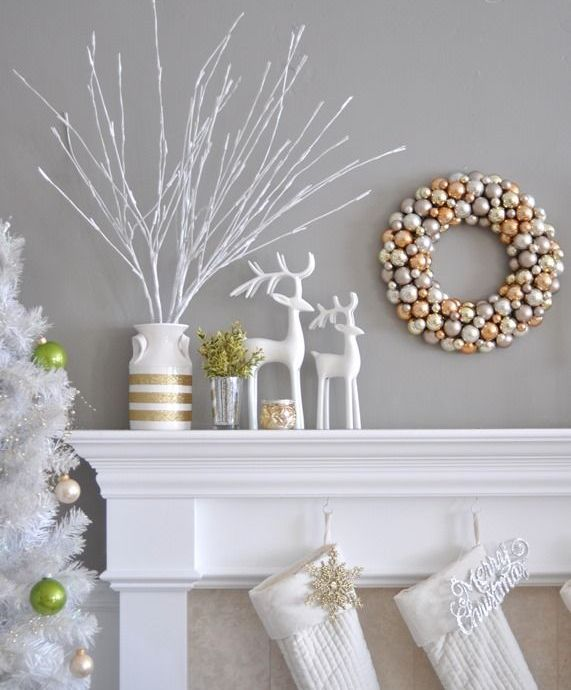 refined-gold-and-white-christmas-decor-ideas-7