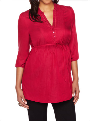 6-casual-maternity-tops-to-help-you-look-stylish-every-day-vneck