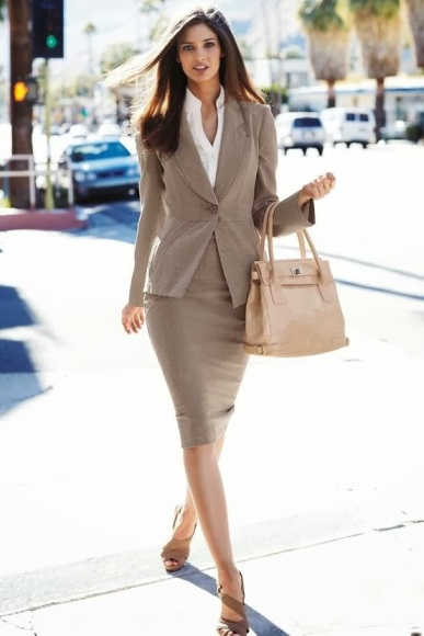 classic_suit_and_skirt_17
