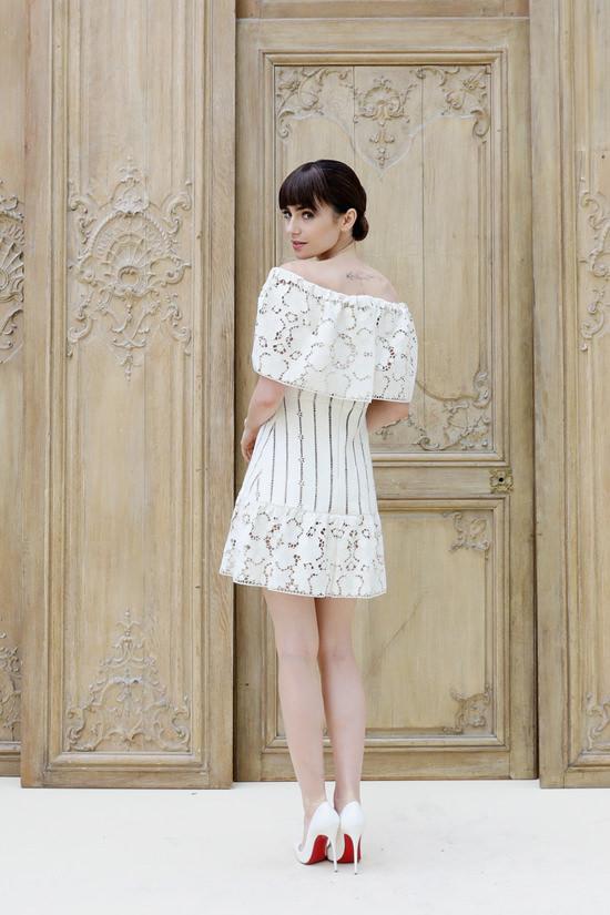 lily-collins-valentino-spring-2017-fashion-show-paris-fashion-week-pfw-front-row-tom-lorenzo-site-6
