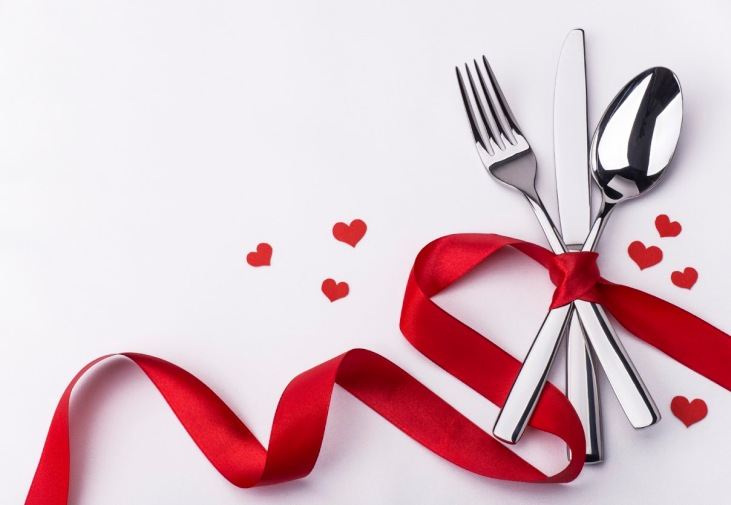 Valenitines day set with silverware